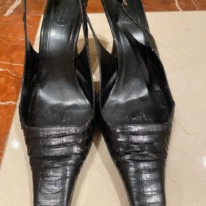Gucci leather black shoe
